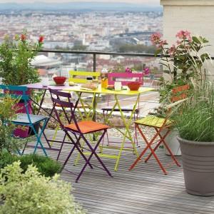 Le mobilier Fermob est disponible en plusieurs collections chez Ô Jardin.